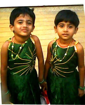 akshaya-anushaya-talented-kids